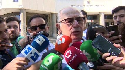 El juez atribuye a Rato delitos fiscales, de blanqueo y corrupción en los negocios