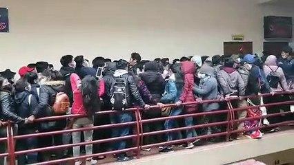 El momento en que se rompe la baranda que provocó el accidente en El Alto (imágenes sensibles)