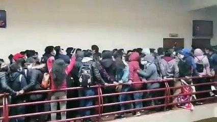 Tragedia en Bolivia: al menos 5 estudiantes universitarios murieron al caer de un cuarto piso
