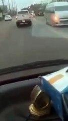กระบะขาวเเช่ขวายาว ขวางรถพยาบาลรีบไปส่งคนเจ็บ ยังไงก็ไม่หลบ ไม่ให้ผ่าน