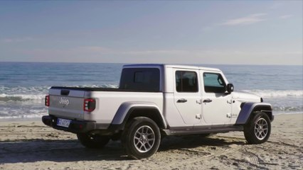 Jeep® Gladiator Overland Preview