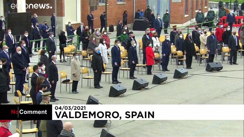 İspanya, ETA ve GRAPO örgütlerinin silahlarını iş makinesi ile imha etti