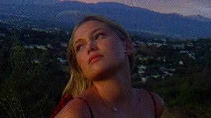 Olivia Holt - love u again