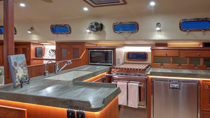 Virtual Q&A: Island Packet 439 - Best Full-Size Cruiser