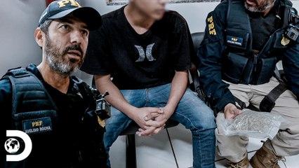 Passageiro de ônibus levanta suspeitas   Operação Fronteira: América do Sul   Discovery Brasil