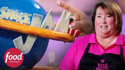 Pasteles en forma de balón dan muchos problemas | Guerra de Pasteles | Food Network Latinoamérica