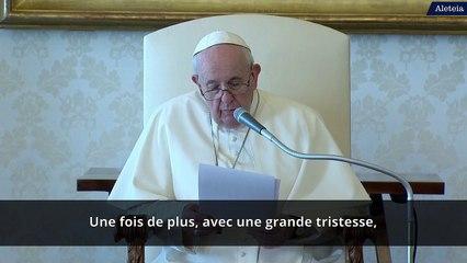 Pape François : « Moi aussi, je me mets à genoux sur les routes de Birmanie »