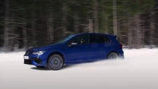 VÍDEO: El Volkswagen Golf R 2021 de 320 CV se lo pasa en grande en la nieve
