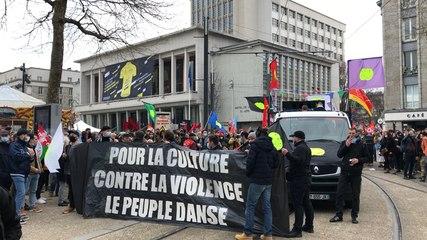 Réunion des trois manifestations : culture, Gilets Jaunes et Sécurité globale
