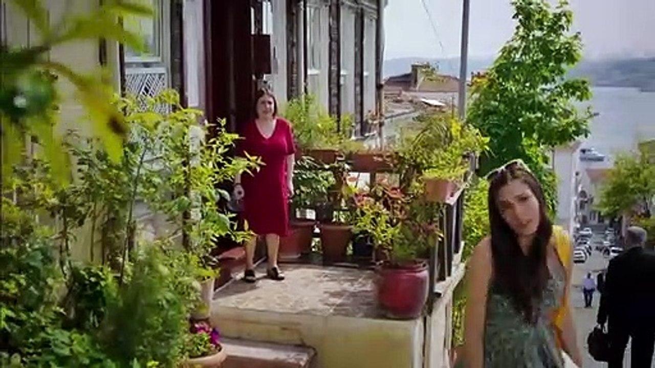 مسلسل رائحة الفراولة الحلقة 2 مدبلجة - فيديو Dailymotion