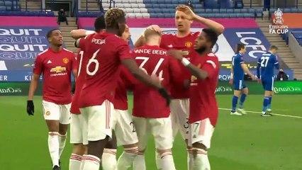 Mắc sai lầm tai hại Mu thua sốc 1-3 trước Leicester City