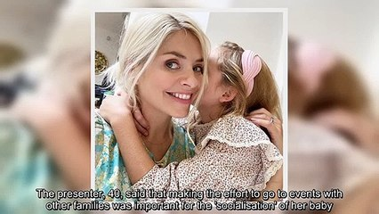 ✅ Holly Willoughby reveals socialising at 'mum groups' helped her as a new mother