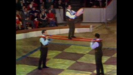 Trio Rennos - Comedic Acrobats