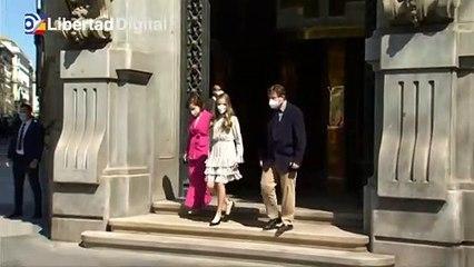 La Princesa de Asturias es recibida con aplausos en su primer acto oficial en solitari