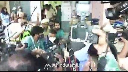 நடிகர் அஜித், நடிகை ஷாலினி தனது வாக்கைப் பதிவு செய்தனர்