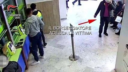 """Puglia: """"scusi ha la giacca sporca"""" e rubano la pensione all'ufficio postale, ecco come derubavano gli anziani. Tre arresti a Castellana Grotte - il video che li incastra"""