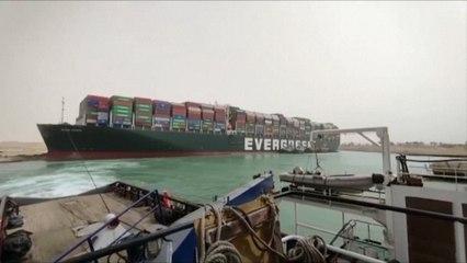 """Bloquage du canal de Suez : """"12 à 15 millions de dollars de pertes par jour"""" pour l'Egypte"""