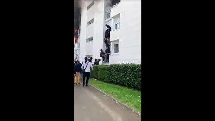 Formano catena umana per salvare famiglia con bimbo da un incendio, è accaduto in Francia - video