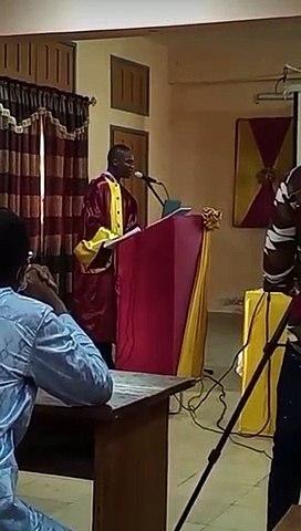 Un doctorant béninois sommé de chanter un morceau de Dj Arafat lors de sa soutenance