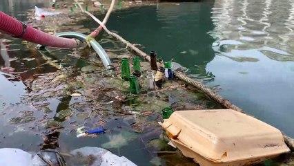 Canal de l'Ourcq encombré par les déchets:  «J'ai même vu quelqu'un balancer une machine à laver»