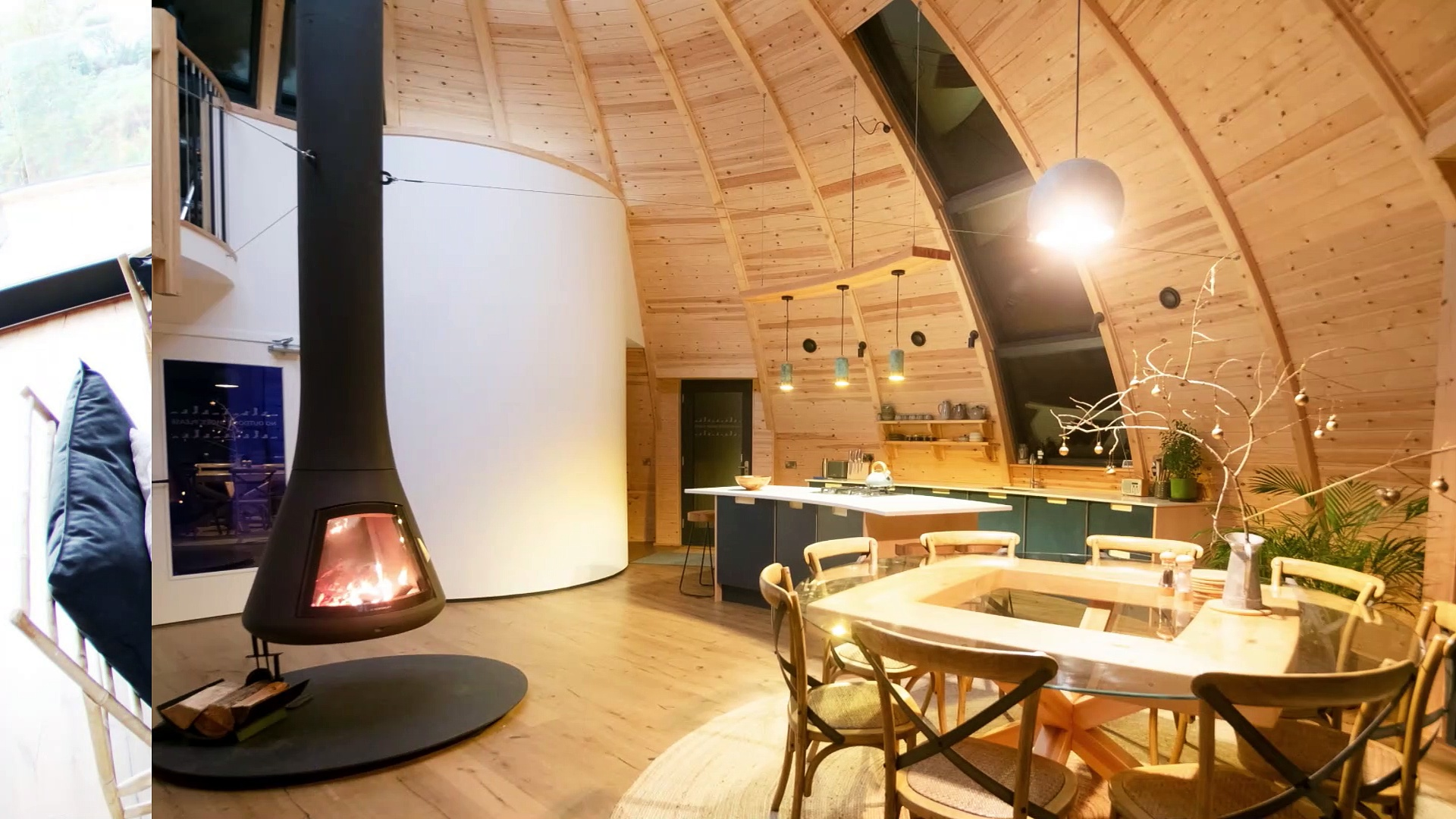 Eco Bothy with log burner and hot tub