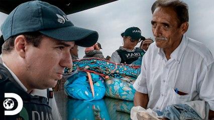 Homem é impedido de viajar com tecidos   Operação Fronteira: América do Sul   Discovery Brasil