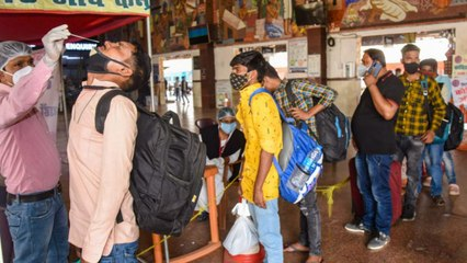 Lockdown fear strikes, Migrants started leaving workplace