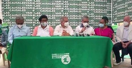 Presidente del Colegio Médico y la Asociación de Enfermeras en el campamento por tres causales