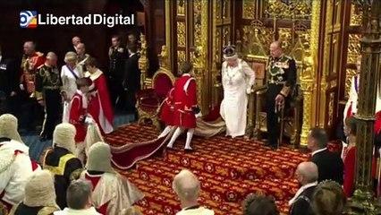 """Isabel II afronta el """" enorme vacío"""" dejado por su marido fallecido"""
