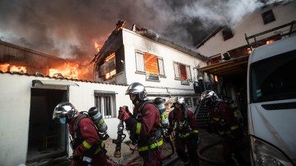 Aubervilliers : un spectaculaire incendie dans un entrepôt perturbe le RER B