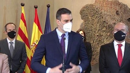 Sánchez insiste en que en 2021 se garantizará la vacuna a todos los españoles