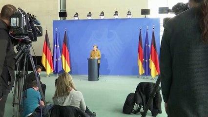 Merkel recebe primeira dose da AstraZeneca
