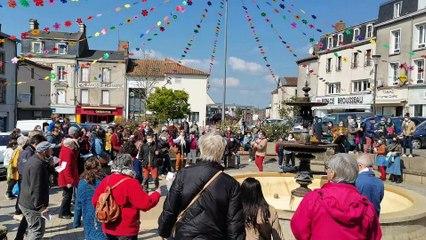 """Des Bressuirais chantent """"Danser encore"""" pour soutenir le monde de la culture"""