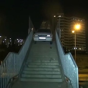 O araç üst geçide nasıl çıkabildi?