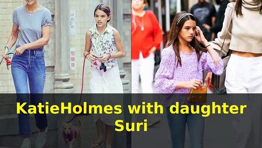 Katie Holmes with daughter Suri Cruise ( Tom Cruise daughter)