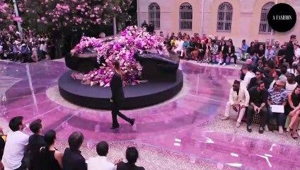 Versace Moments - Bella Hadid