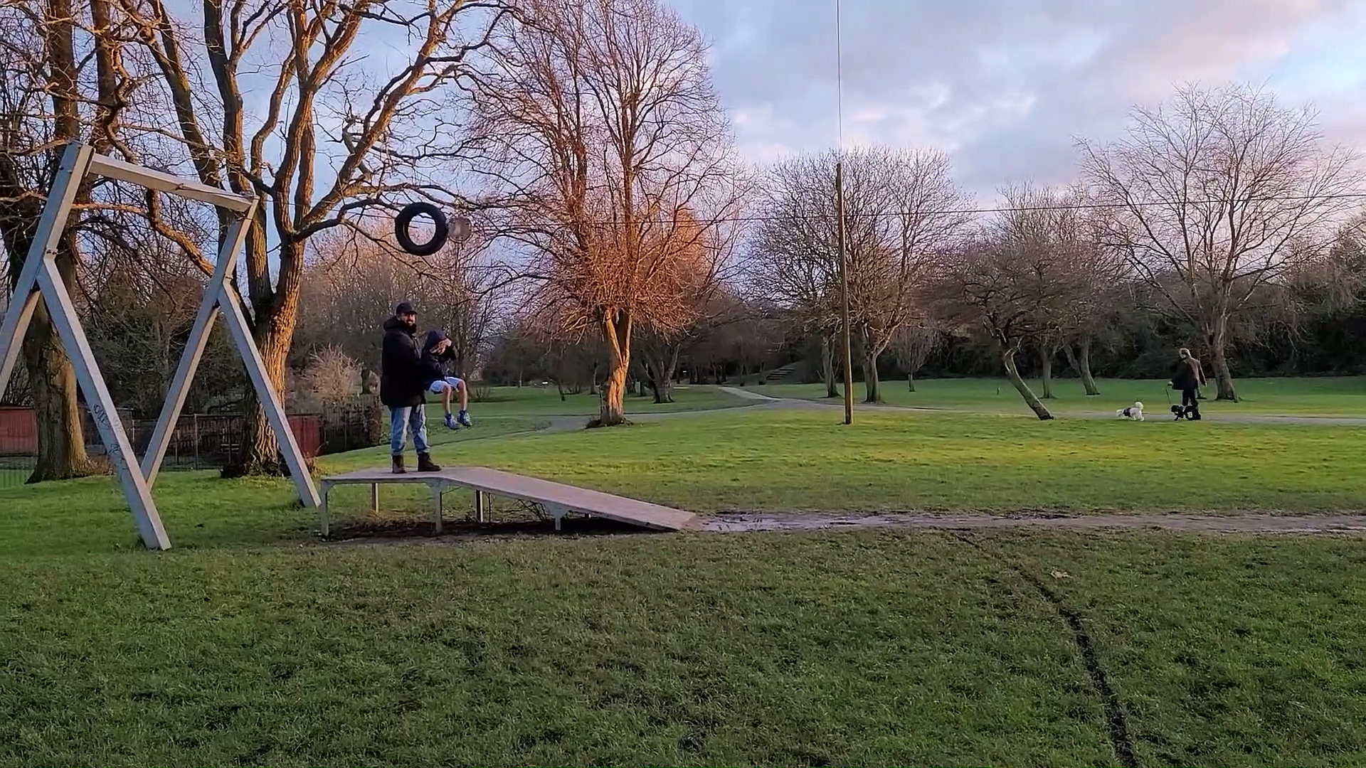 Family Afternoon Walk and Scooter Fun at Miners Welfare Park – Bedworth United Kingdom