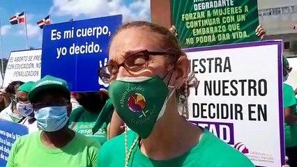 Contreras piden a obispo Masalle dejar a las mujeres defender sus derechos