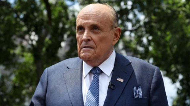 CNN reporter says Giuliani home raid is 'unusual'