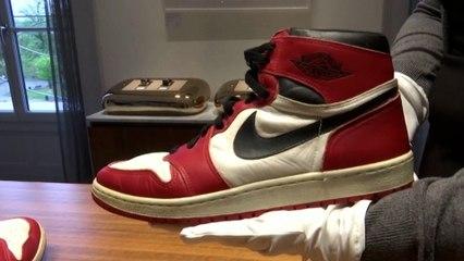 Des baskets de Michael Jordan aux enchères
