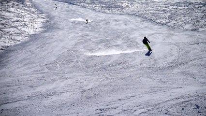 Skiing - Turn SlowMo