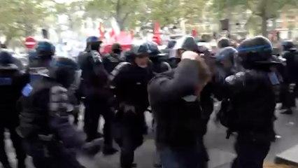 1er mai : heurts entre policiers et manifestants au sein du cortège parisien