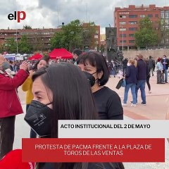 Protesta de PACMA frente a la plaza de toros de Las Ventas
