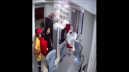 Tres hombres armados asaltan otro en su apartamento en Sabana Perdida