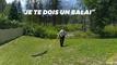 Aux États-Unis, ces officiers chassent un alligator avec un balai