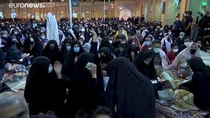 فيديو: الإيرانيون يحتفلون بليلة القدر وسط الوباء