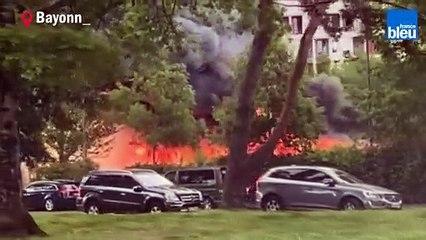 Incendie spectaculaire à Bayonne, dans les Hauts de Sainte Croix