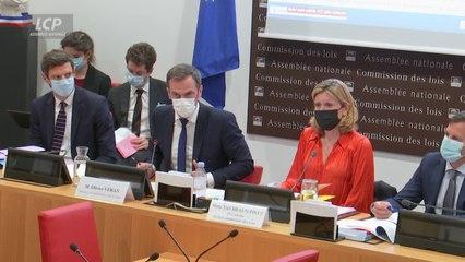 Olivier Véran présente le futur pass sanitaire aux députés