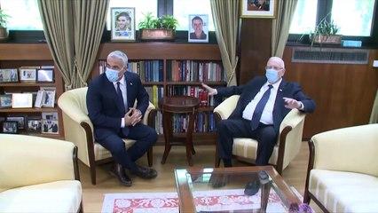 الرئيس الإسرائيلي يختار لابيد خصم نتنياهو لتشكيل حكومة جديدة
