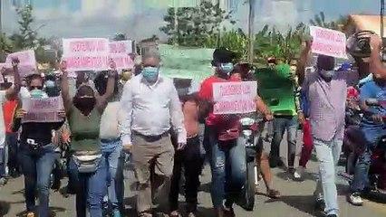 Perremeistas marchan por empleos en Villa Tapia